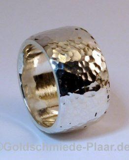 Silber-Ring mit Hammerschlag