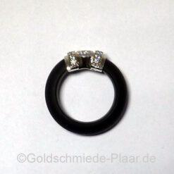 Ring aus Kautschuk- seitlich