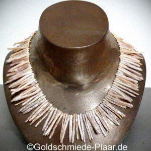 Perlenkette aus Stäbchen