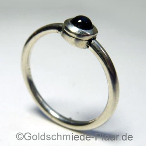 Silberring mit Iolith- Handarbeit